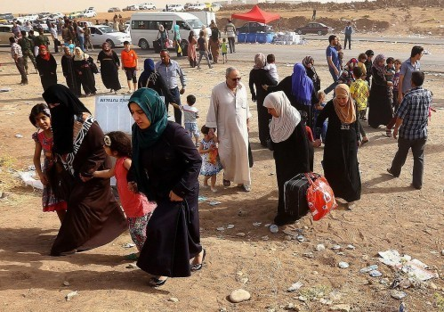 Iraqi-women-flee-from-ISIS-499x350